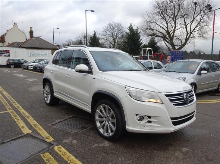 Volkswagen Tiguan 2.0 2011 photo - 11
