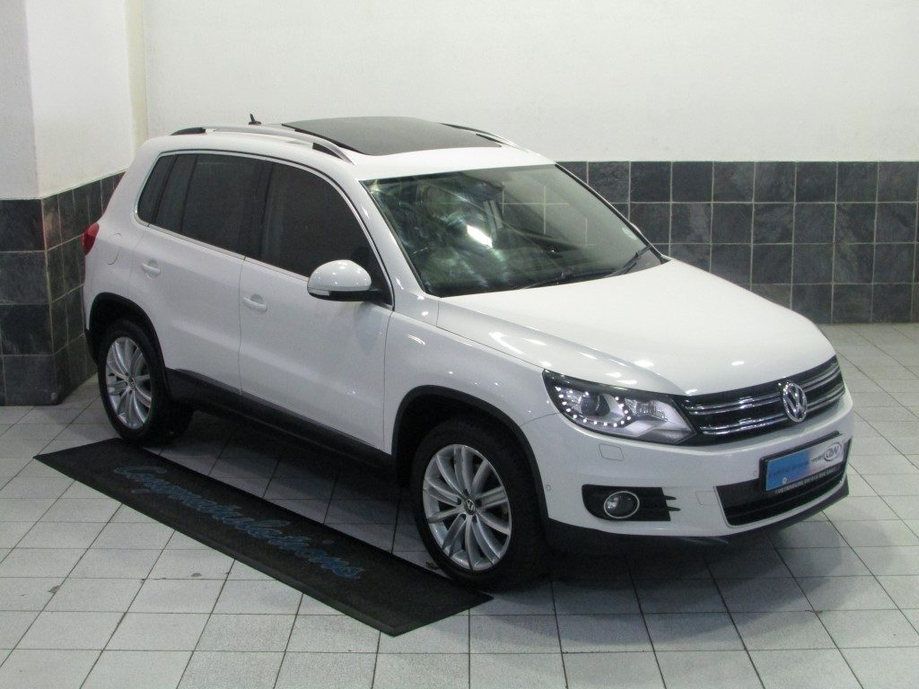 Volkswagen Tiguan 2.0 2012 photo - 2