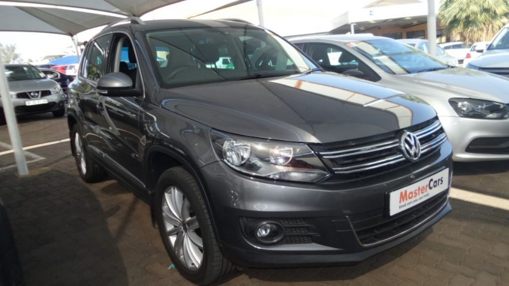 Volkswagen Tiguan 2.0 2012 photo - 5