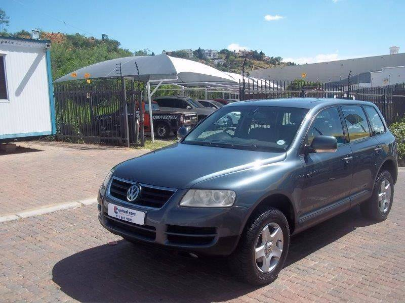 Volkswagen Touareg 2.5 2004 photo - 1