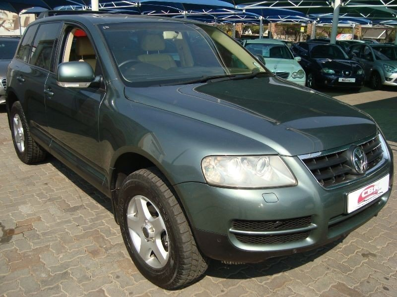 Volkswagen Touareg 2.5 2004 photo - 2
