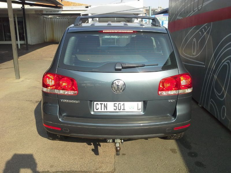 Volkswagen Touareg 2.5 2004 photo - 4