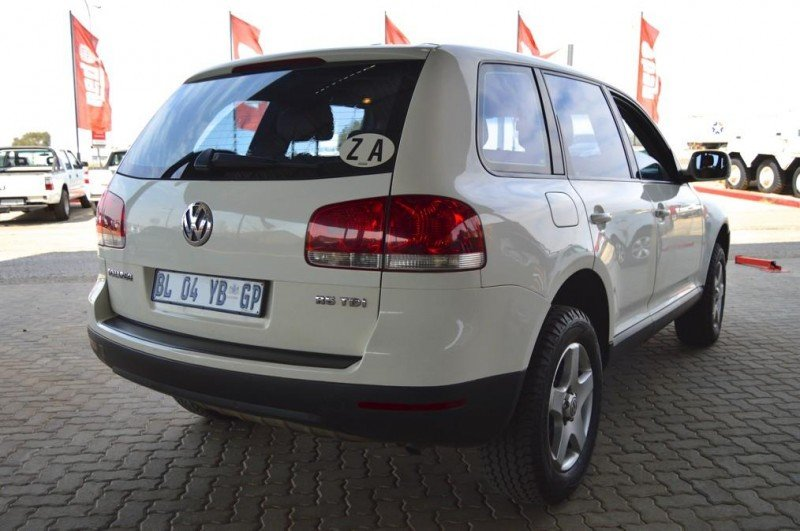 Volkswagen Touareg 2.5 2004 photo - 5
