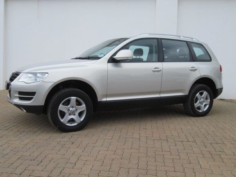 Volkswagen Touareg 3.0 2010 photo - 1