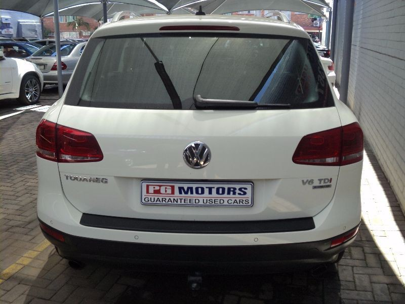 Volkswagen Touareg 3.0 2010 photo - 2